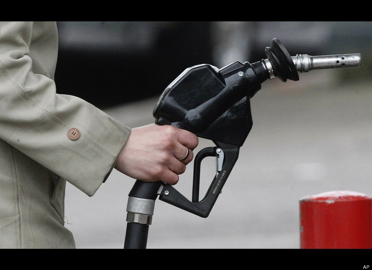"""I'm running out of gas and need to get to the next gas station. <br><a href=""""http://www.huffingtonpost.ca/2012/02/17/police-l"""