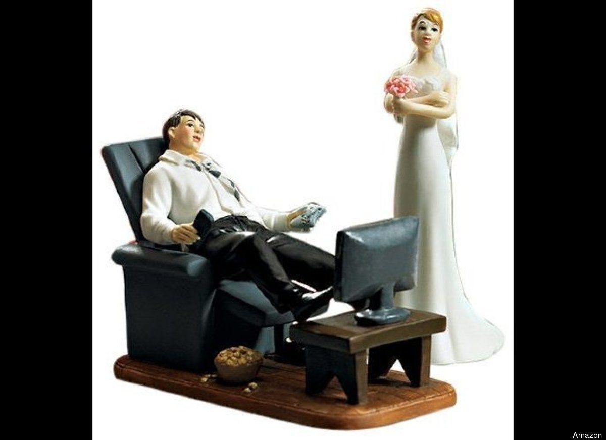 """Does this wedding cake topper foreshadow what marriage is supposed to be like?   Via <a href=""""http://www.amazon.com/Wedding"""