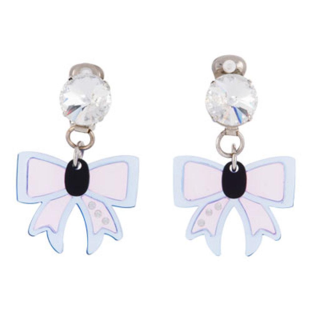 """<a href=""""http://www.miumiu.com/en/US/e-store/dep/jewels/cat/earrings/product/5AJJ21_2ADZ_F0LVQ#"""" target=""""_hplink"""">Miu Miu </a"""