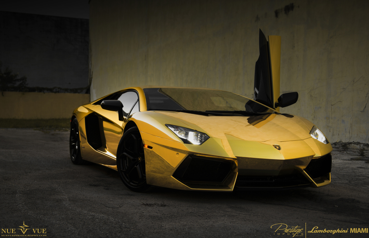 Lamborghini Miami Shows Off Gold Car