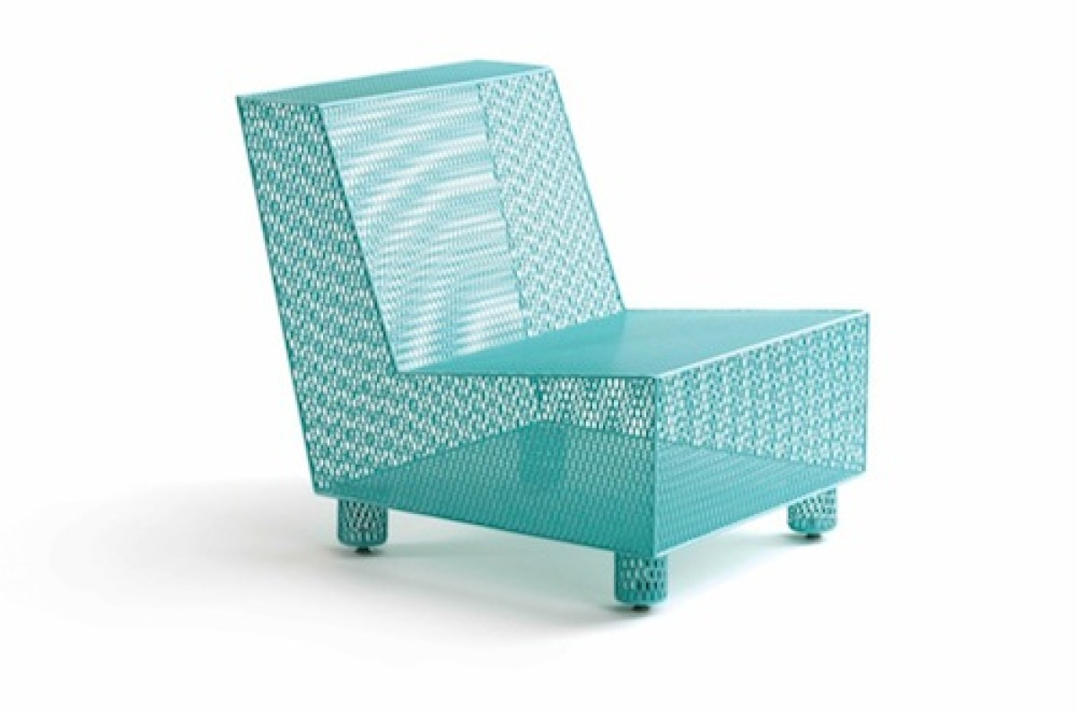 "Designed by <a href=""http://www.damianvelasquez.com/"" target=""_hplink"">Damian Velasquez</a>, this light blue outdoor club cha"