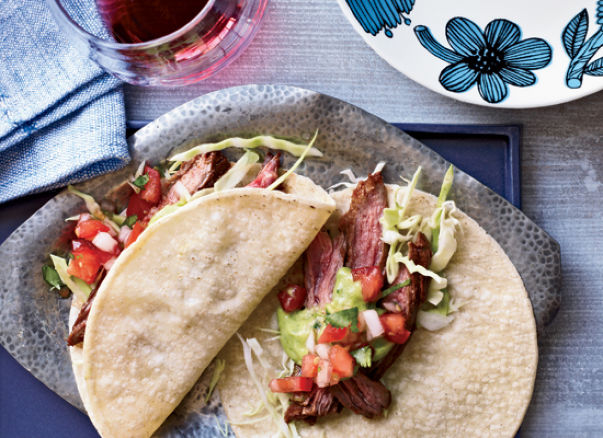 "<strong>Get the <a href=""http://www.huffingtonpost.com/2011/10/27/chile-spiced-skirt-steak-_n_1058306.html"" target=""_hplink"">"