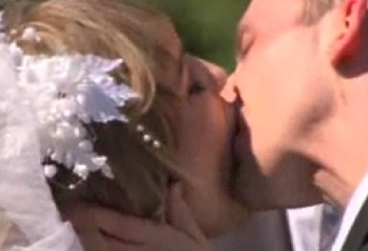 In what has to be the most cringe-worthy kisses we've ever seen, virgins Shanna and Ryan shared their first kiss <em>ever</em