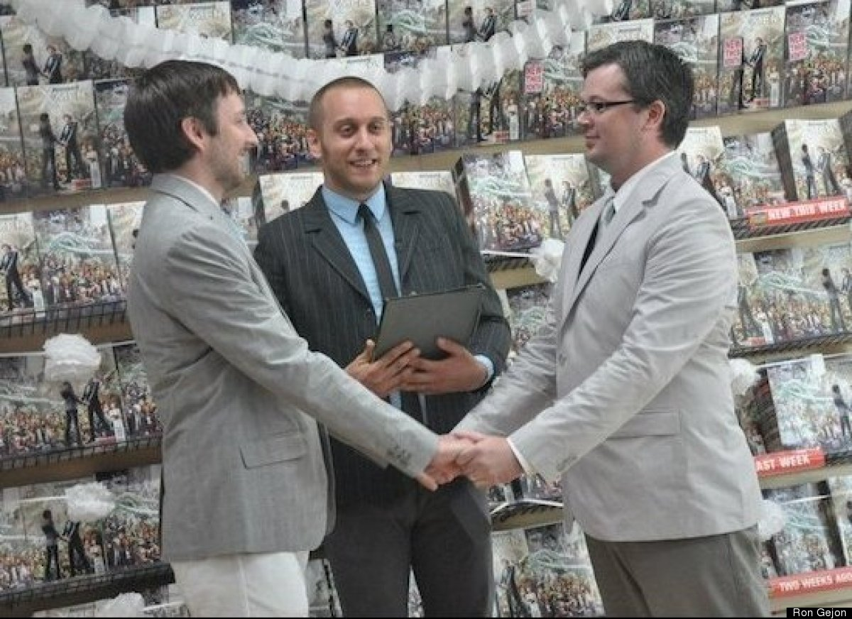 Everhart and Welker's ceremony was officiated by Matt Loter, a CT Justice of the Peace and NYC-registered wedding officiant.