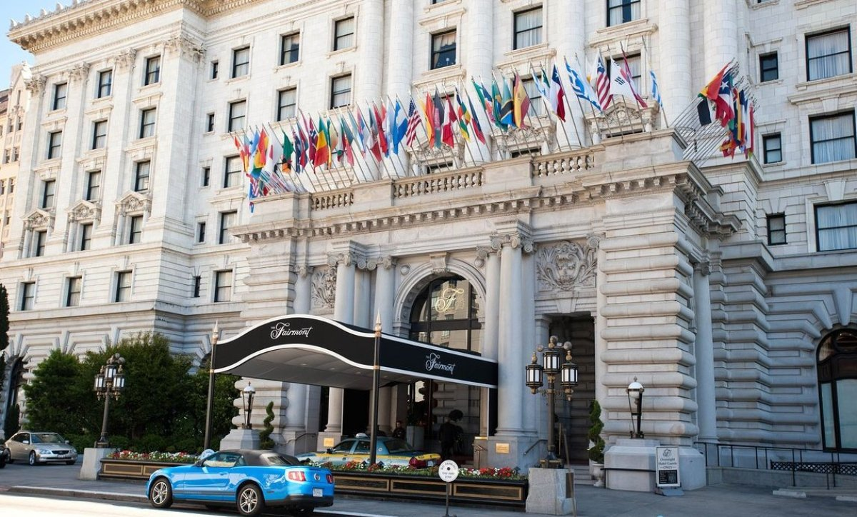 "<strong>Where You Should Stay: <a href=""http://www.oyster.com/san-francisco/hotels/the-fairmont-san-francisco/"">The Fairmont"