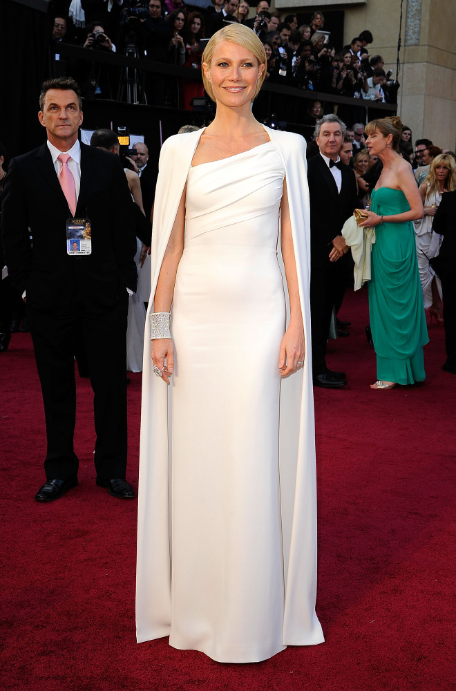 "Anya, HuffPost Style/Stylelist/Stylelist Home Editor-In-Chief: ""This look is befitting not only of a movie star, but of a que"