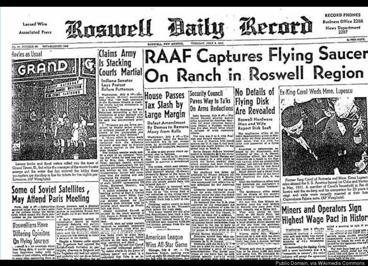 "After a ""flying disk"" crashed on a ranch in the New Mexico town of Roswell, rumors began to circle about possible extraterres"