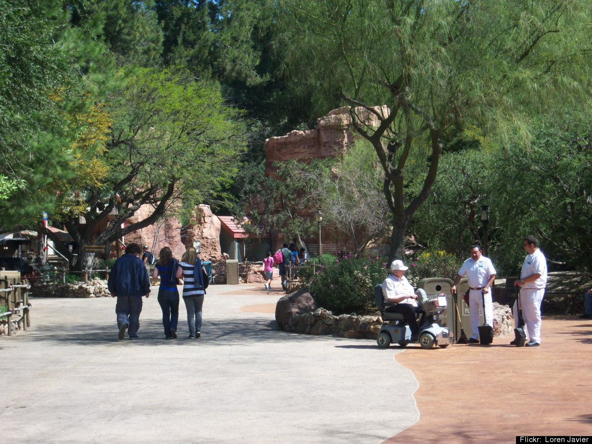 Walkway connecting Fantasyland and Frontierland