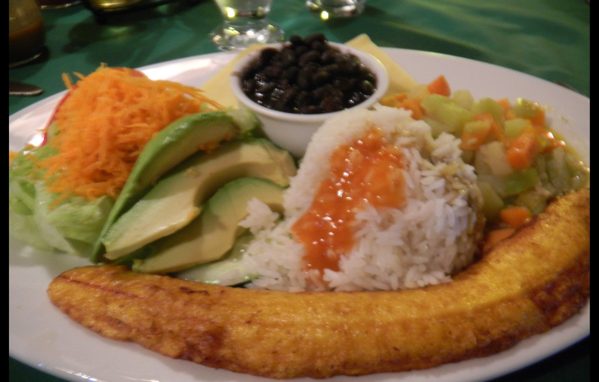 Casado is served at every restaurant.