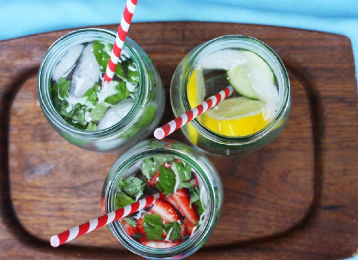 """<strong>Get the <a href=""""http://abeautifulmess.typepad.com/my_weblog/2011/08/3-easy-infused-water-recipes.html"""" target=""""_hpli"""