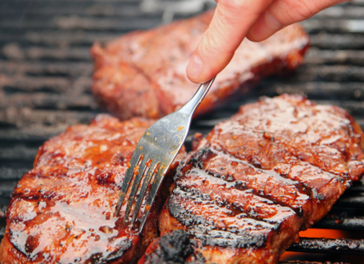 Not waiting for your steak to properly sear before flipping it is a common mistake that many people make. But try not to be s