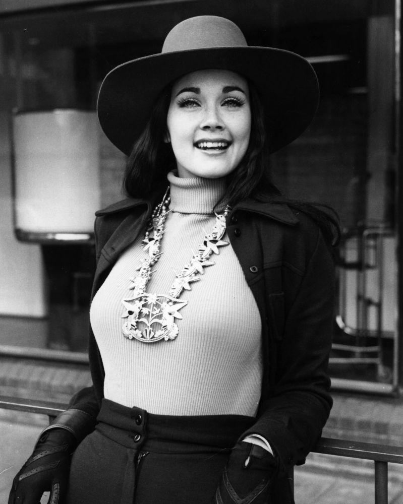 Lynda carter pictures show wonder woman actress is still hot in lynda carter photos getty images thecheapjerseys Choice Image