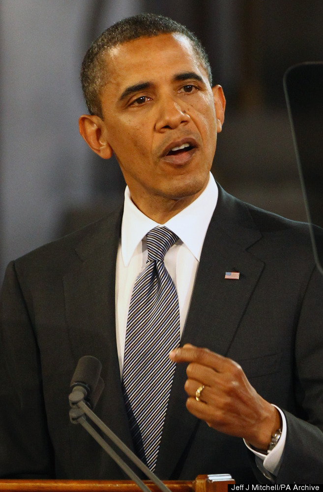 US President Barack Obama delivers his keynote speech to both Houses of Parliament in the historic Westminster Hall, previous