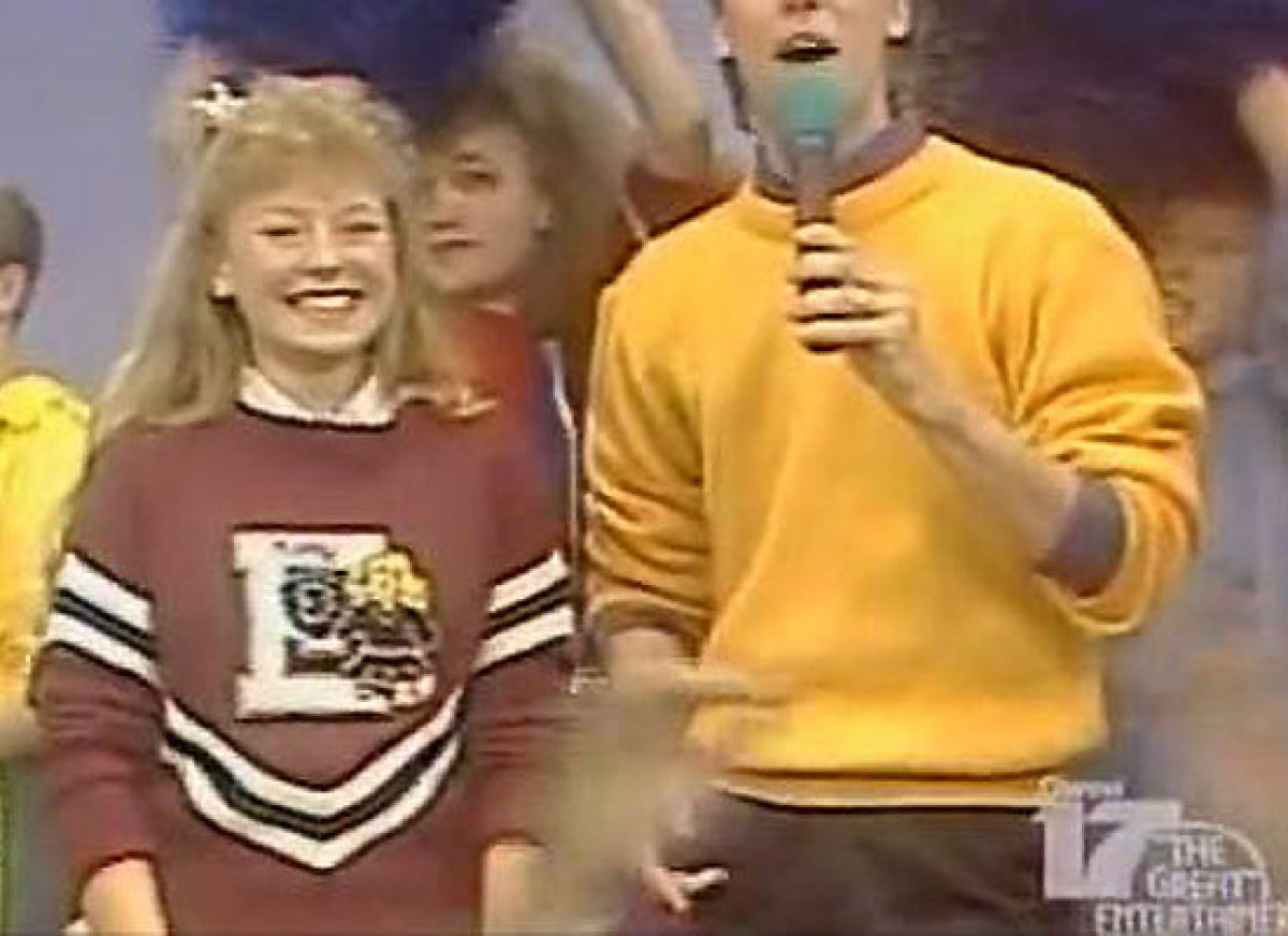 Kelly has a lively personality and boundless energy, which is why it's not surprising that she was a cheerleader in high scho