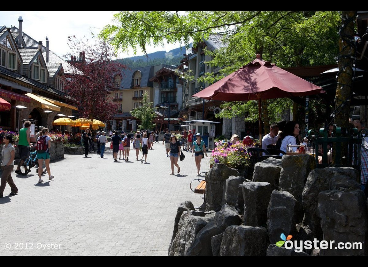 <strong>Do: Shop and dine along the Village Stroll </strong>