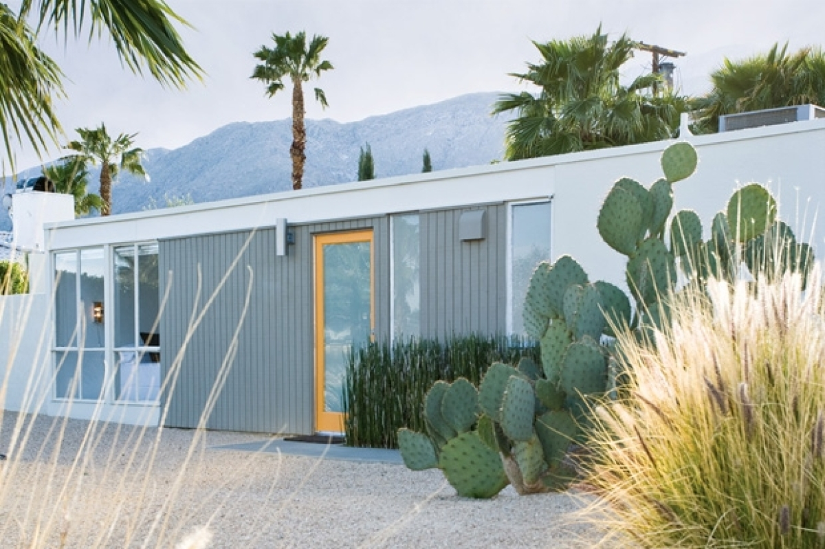 House Tour: Dana Benoit and Steve Johnson\'s Palm Springs Midcentury ...