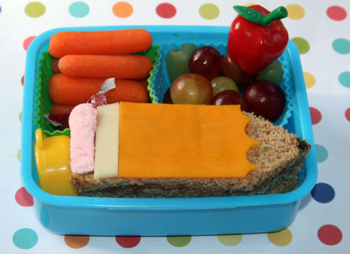 "<strong>Get the <a href=""http://bento-logy.blogspot.com/2011/08/first-day-of-school.html"" target=""_hplink"">Back-to-School Ben"