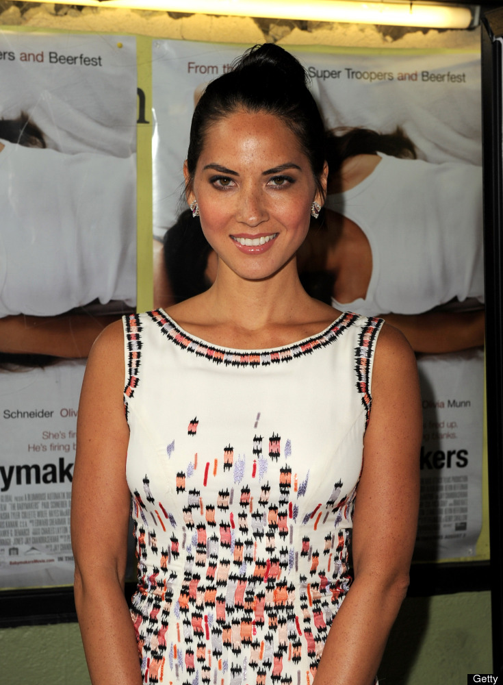 "Munn recently revealed that she <a href=""http://www.huffingtonpost.com/2012/07/31/trichotillomania-disorder-olivia-munn_n_172"