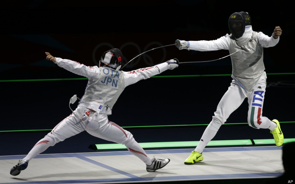 """Next time you get into an argument, you can settle it with a duel. <a href=""""http://www.miamifencingclub.com/classes-2/"""" targe"""
