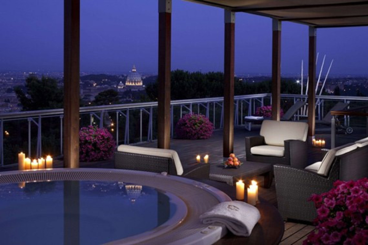 Overlooking the city and on the pristine grounds of Rome Cavalieri, the stars do come out over the city, or in the Planetariu