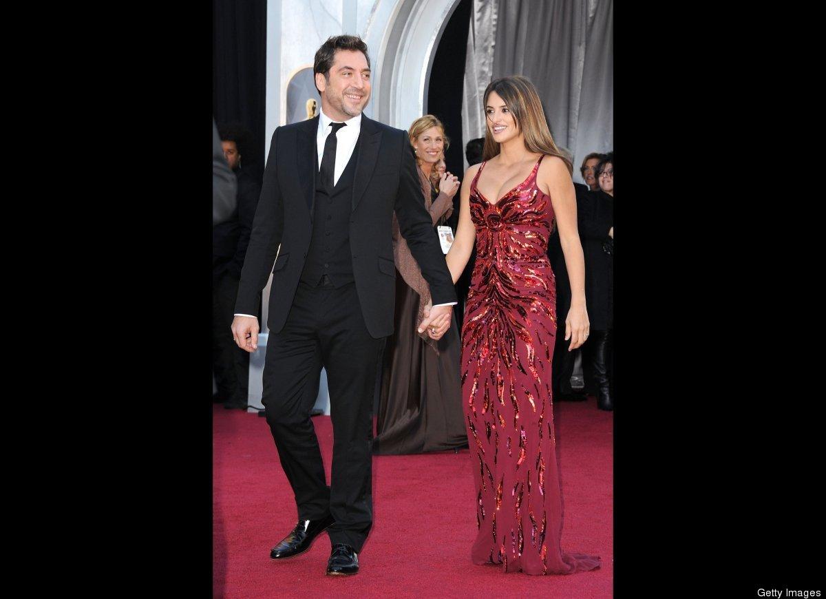 """Javier Bardem and Penelope Cruz wed in <a href=""""http://www.people.com/people/article/0,,20401626,00.html"""" target=""""_hplink"""">Ju"""