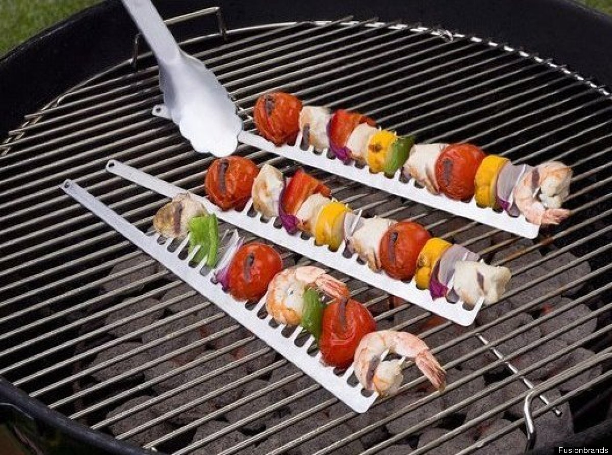 """<a href=""""http://www.fusionbrands.com/products/grillcomb"""" target=""""_hplink"""">The GrillComb's claim to usefulness</a>: """"Keeps foo"""