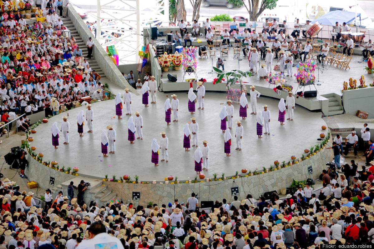 La celebración oaxaqueña incluye danzas típicas.
