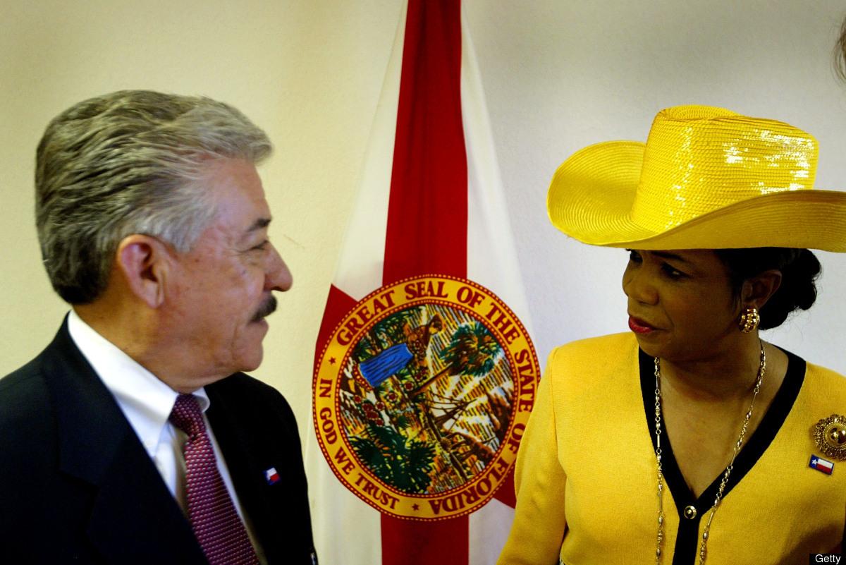 HOLLYWOOD, FLORIDA - SEPTEMBER 8:  Texas Democratic State Senator Gonzalo Barrientos (D-Austin) talks with Florida Democratic