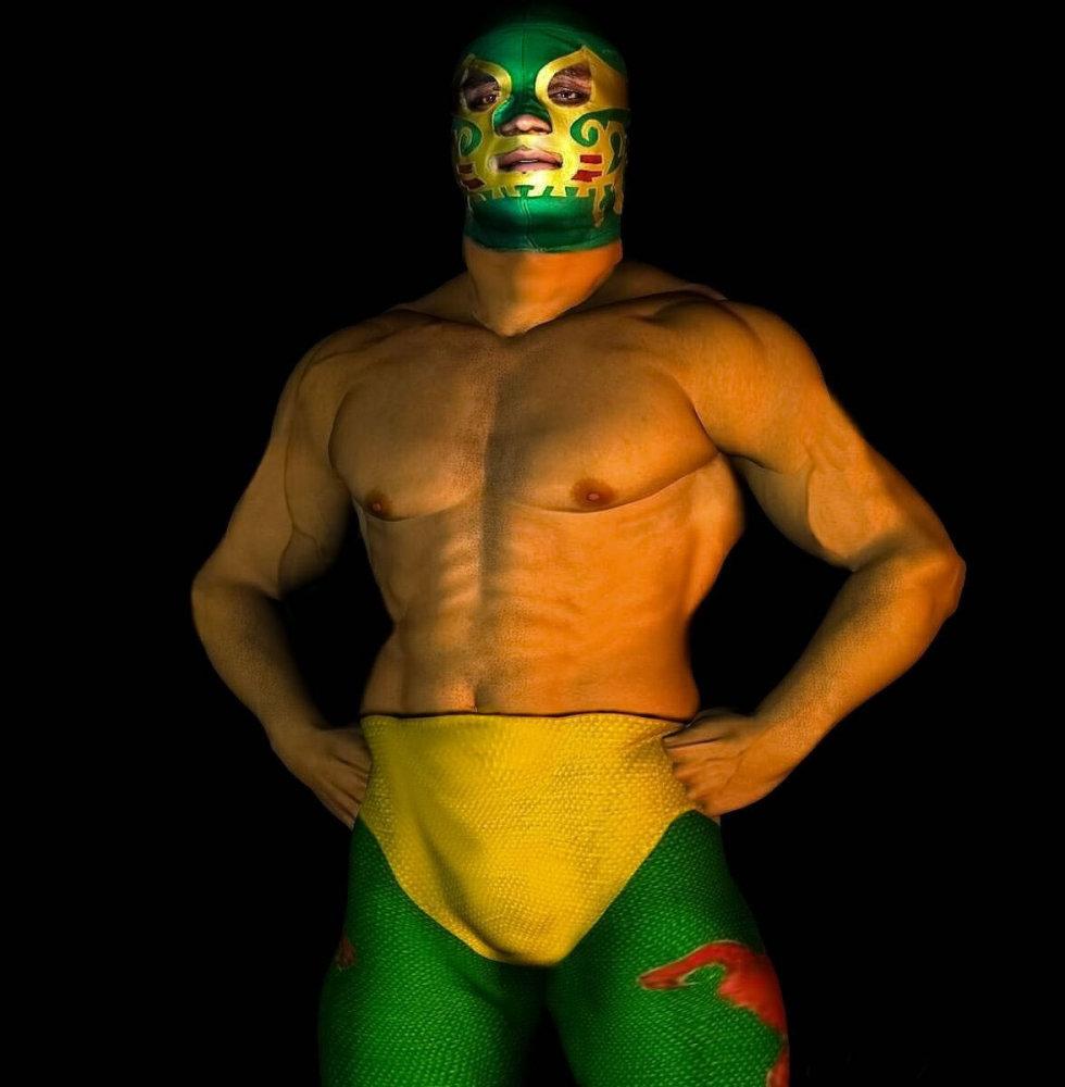 Canek es una de las leyendas vivientes de la lucha libre mexicana. Originario de Frontera, Tabasco, inició a los 18 años en e