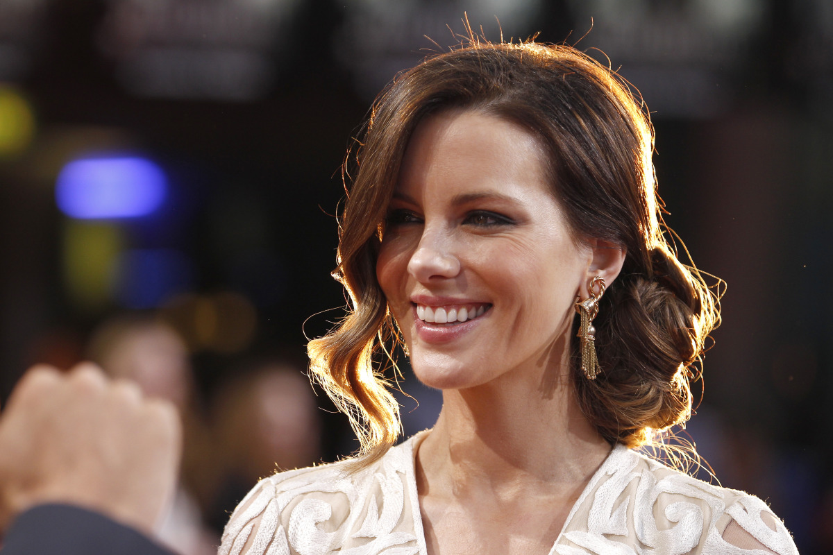 Can Kate Beckinsale ever look less-than-perfect? The answer is no. She looked absolutely stunning at the German premiere of '