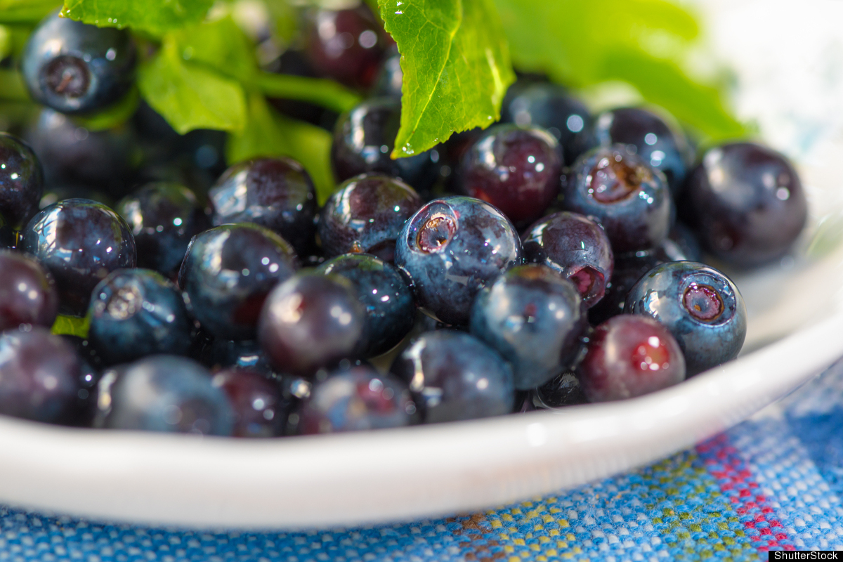 In terms of antioxidant power, fresh blueberries are stars, with high concentrations of anthocyanins, which may curb cancer c