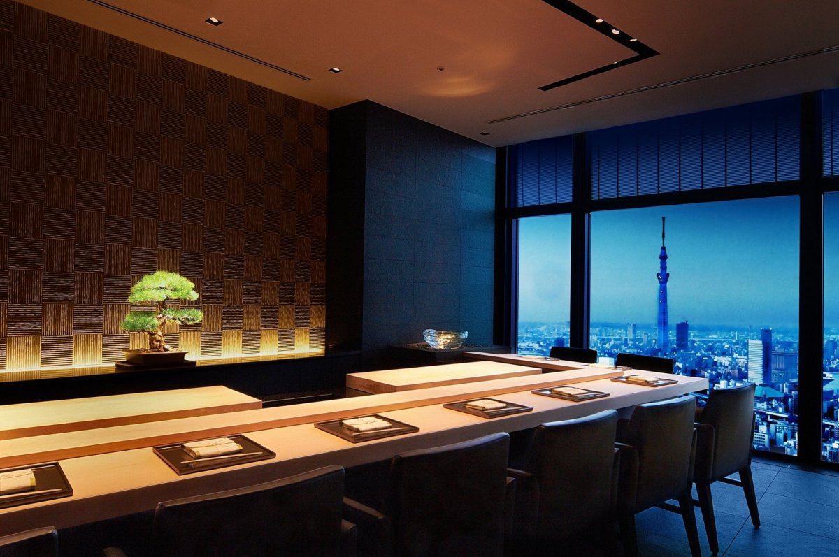 """<a href=""""http://www.departures.com/slideshows/stunning-hotel-dining-room-views/2"""" target=""""_hplink"""">See More Stunning Hotel Di"""