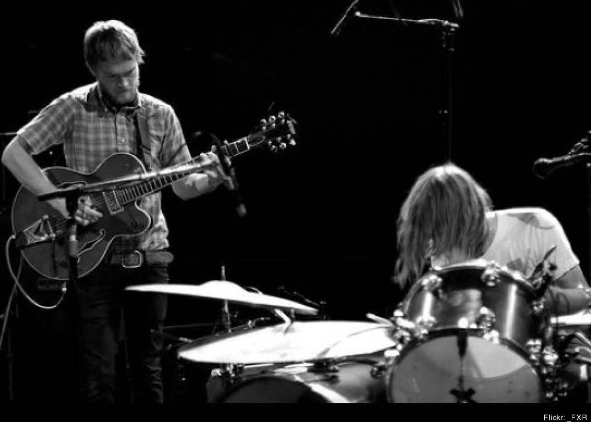 """SF's energetic acoustic twosome is back with a new album, The Bloom and the Blight, <a href=""""http://www.sfstation.com/two-gal"""