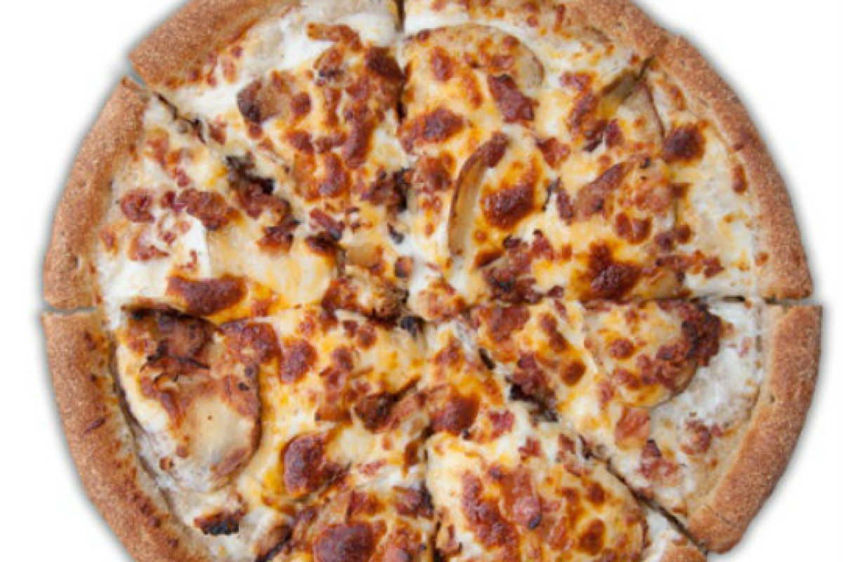 """<strong>Loaded Baked Potato Pizza at <a href=""""http://www.stevibs.com"""" target=""""_blank"""">Stevi B's Pizza Buffet</a> (National)</"""