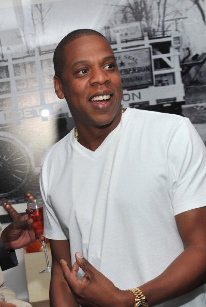 "Jay-Z's ""<a href=""http://www.youtube.com/watch?v=kh4gck89uj0"" target=""_hplink"">Izzo (H.O.V.A.)</a>"" (""I Want You Back"")"