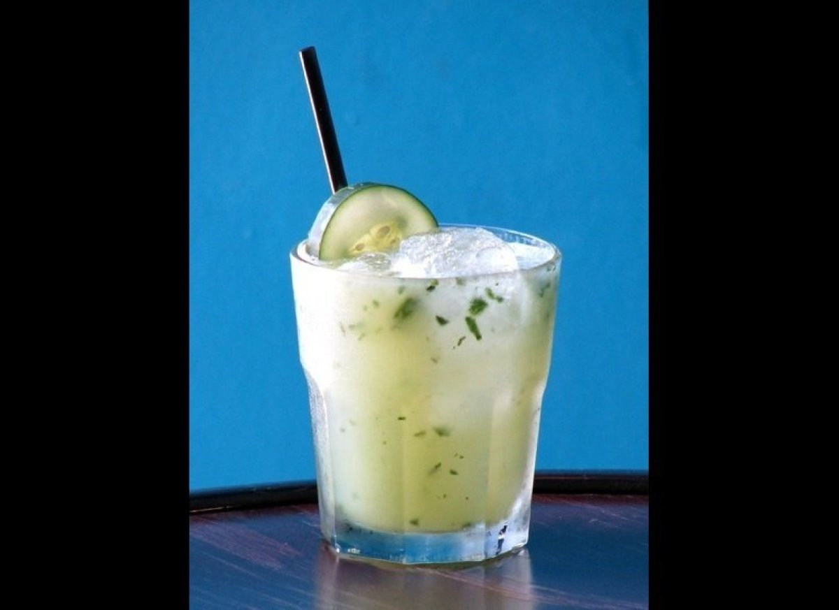 "<strong><a href=""http://imbibemagazine.com/Clowns-Cup-Recipe"" target=""_hplink"">Clown's Cup</a></strong> Vodka. Lime juice. F"