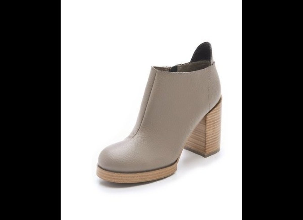 "<a href=""http://www.shopbop.com/layer-chunky-heel-bootie-cheap/vp/v=1/845524441949185.htm?folderID=2534374302090509&colorId=1"