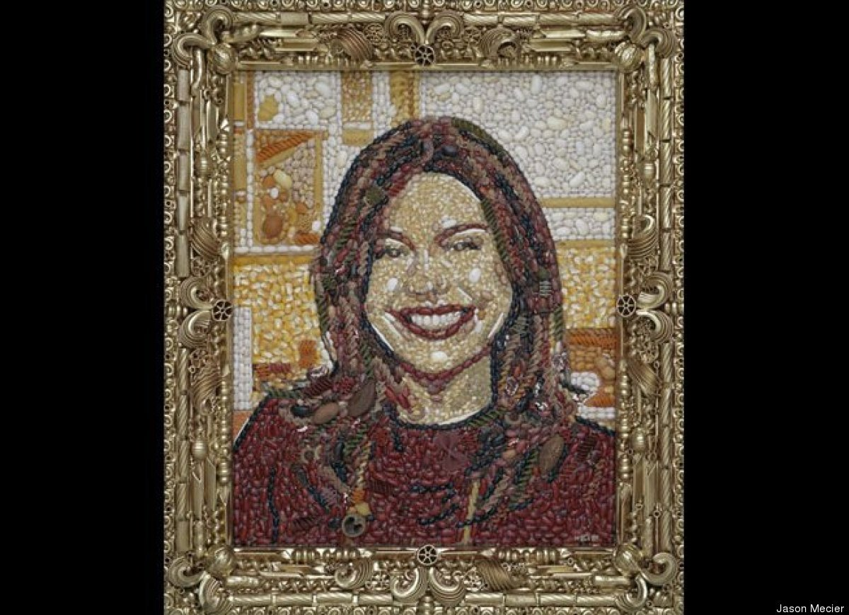 "<strong><a href=""http://www.huffingtonpost.com/2012/06/20/celebrity-food-portraits_n_1609945.html"" target=""_hplink"">Rachael R"