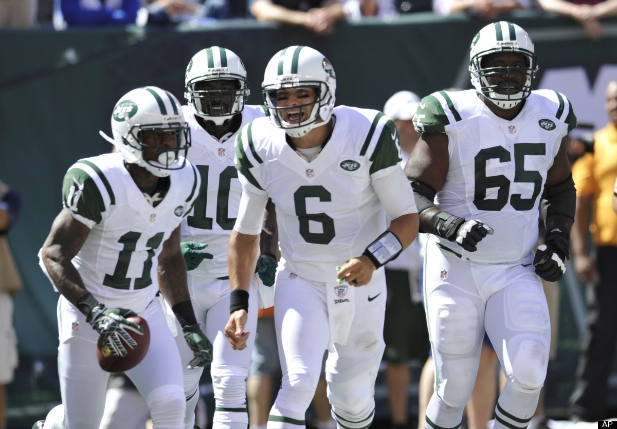 The Tim Tebow drama in the offseason seemed to have lit a fire in Mark Sanchez this weekend. He completed 19 of 27 passes for