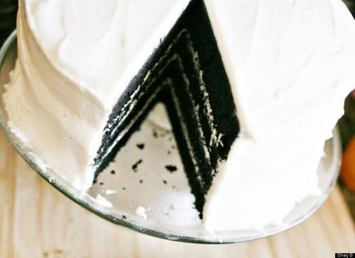 """<strong>Get the <a href=""""http://shealynnbenner.com/2011/08/velvet/"""" target=""""_hplink"""">Black Velvet Cake recipe</a> by Shey B</"""