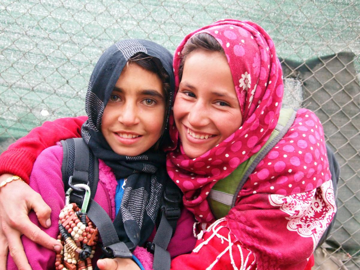 "Korshid on right (<a href=""http://skateistan.org/blog/tragic-loss"" target=""_hplink"">Skateistan</a>)"