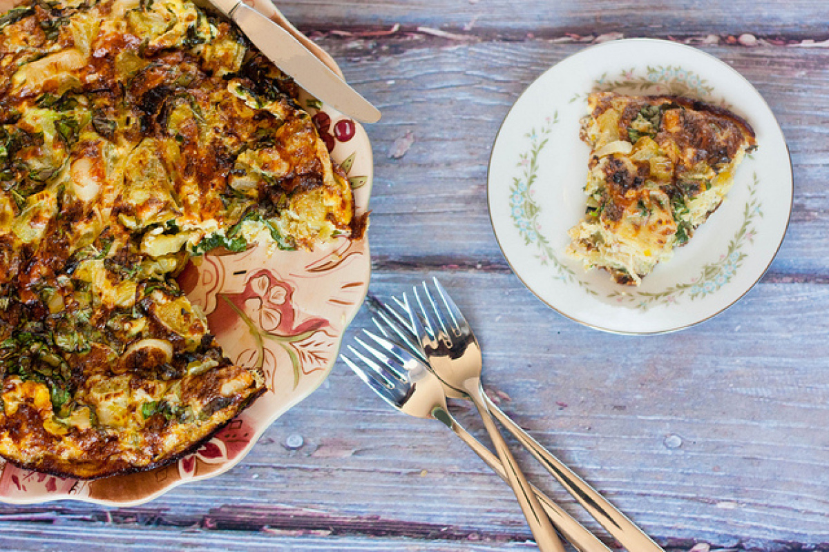 """<strong>Get the <a href=""""http://cooking-books.blogspot.com/2011/08/green-tomato-and-leek-frittata.html"""" target=""""_hplink"""">Gree"""