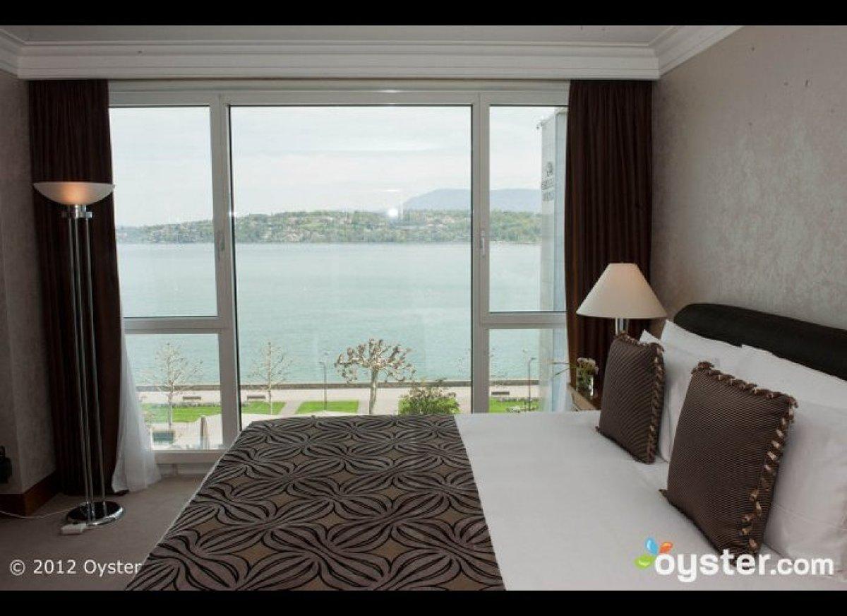 "The <a href=""http://www.oyster.com/geneva/hotels/hotel-president-wilson/"" target=""_hplink""><strong>Hotel President Wilson</st"