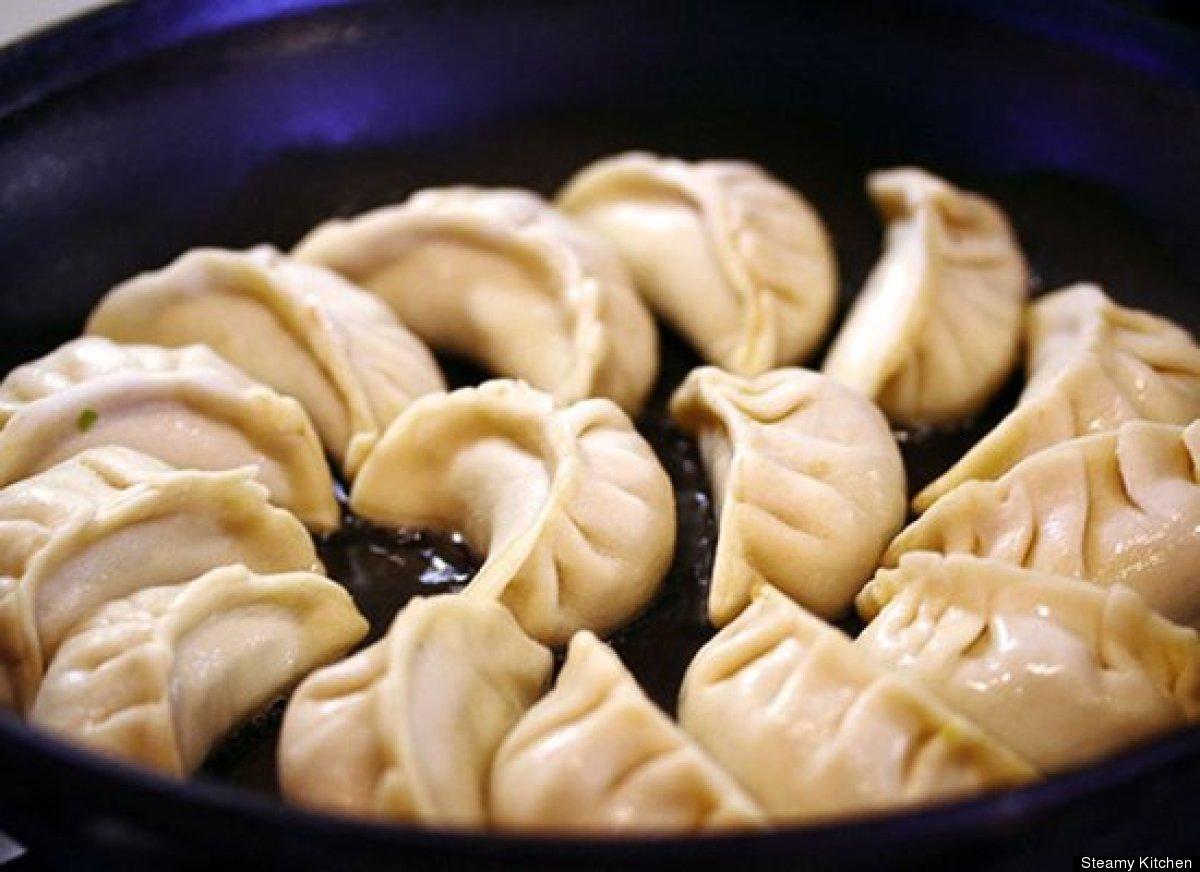 "<strong>Get the <a href=""http://steamykitchen.com/718-potstickers.html"" target=""_hplink"">Shrimp and Pork Dumplings recipe</a>"