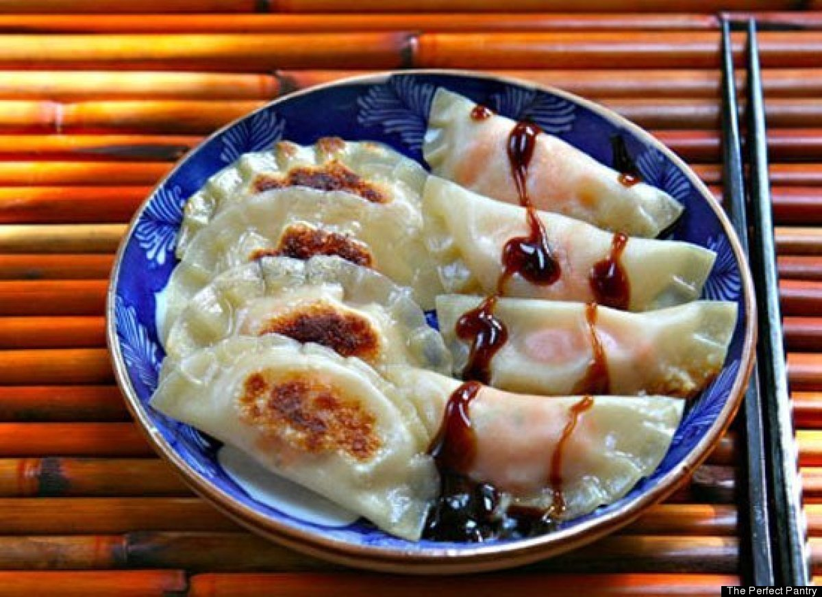 """<strong>Get the <a href=""""http://www.theperfectpantry.com/2011/11/recipe-for-sweet-potato-and-apple-potstickers.html"""" target="""""""