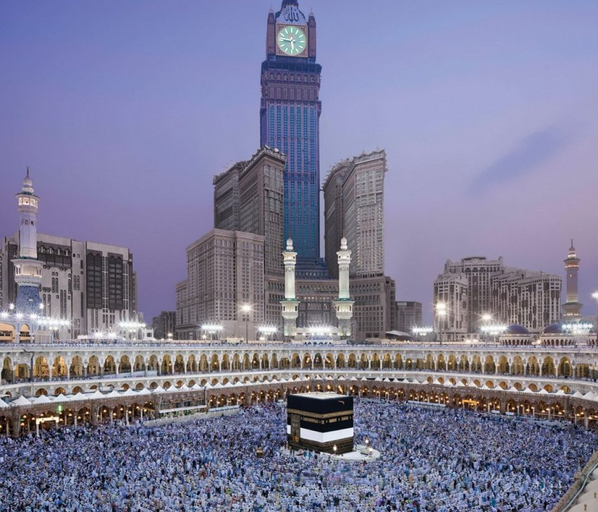 """<a href=""""http://www.travelandleisure.com/articles/worlds-biggest-buildings/2"""" target=""""_hplink"""">See More of the World's Bigges"""