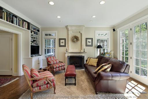 """Median: $1,950,000 <br> Pictured: <a href=""""http://www.realtor.com/realestateandhomes-detail/234-Raleigh-Rd_Kenilworth_IL_6004"""