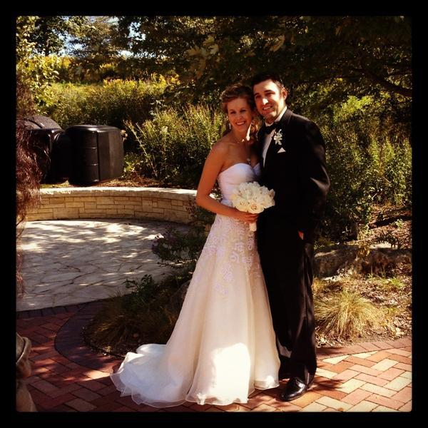 "@JenniJohnson: My best friends got married! #fall @LWideburg @StevenTrue Twt a pic to @HuffPostWedding for ""real weddings"" ro"