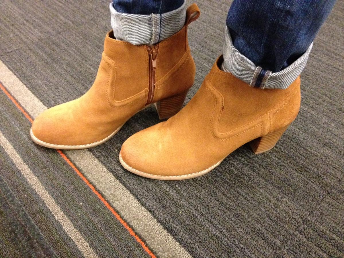 """I broke my Gilt Groupe online shopping break by purchasing these <a href=""http://www.amazon.com/DV-Dolce-Vita-Womens-Jamison"