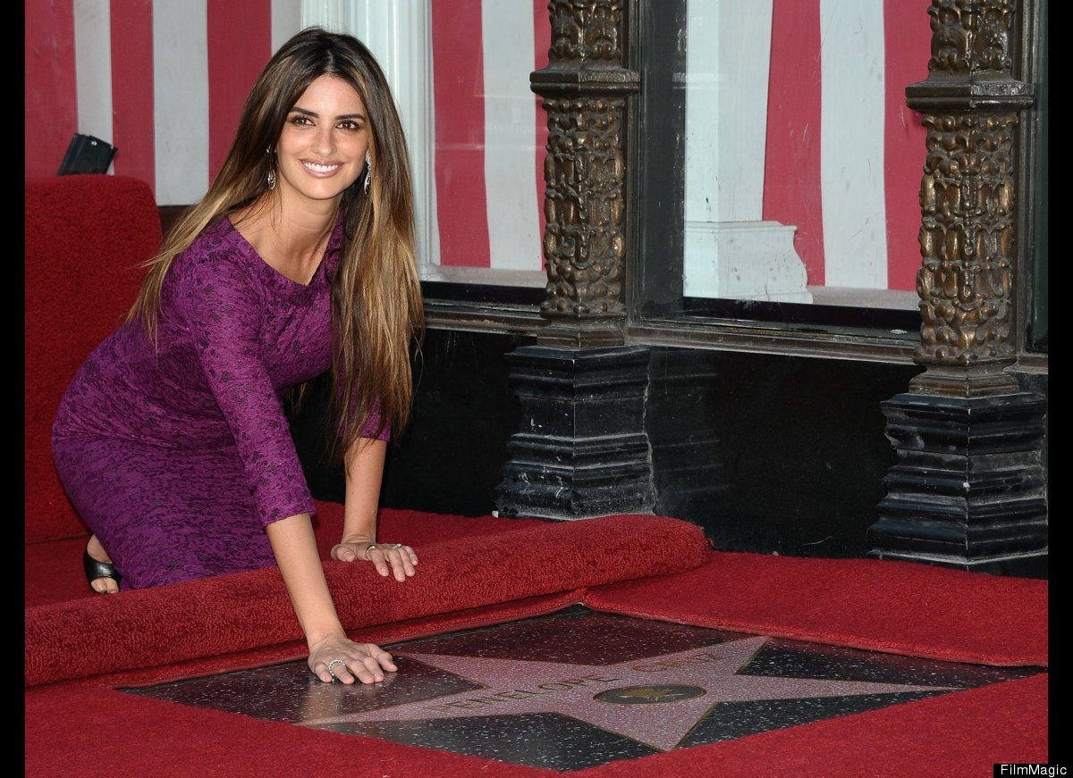 In April 2011, Penélope Cruz became the 2,436th star on the 'Hollywood Walk of Fame'. Accompanied by her husband, Javier Bard